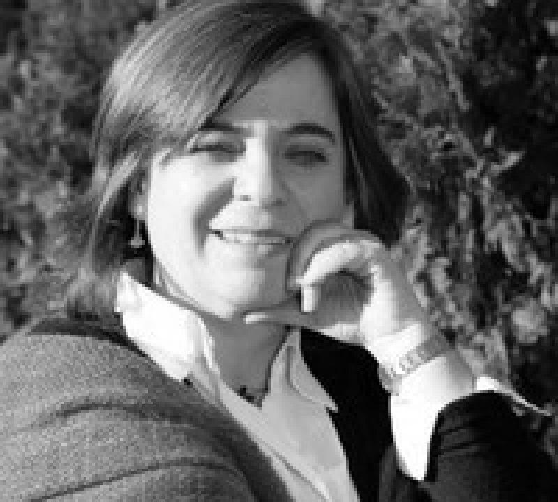 Mg. Loreto Martínez