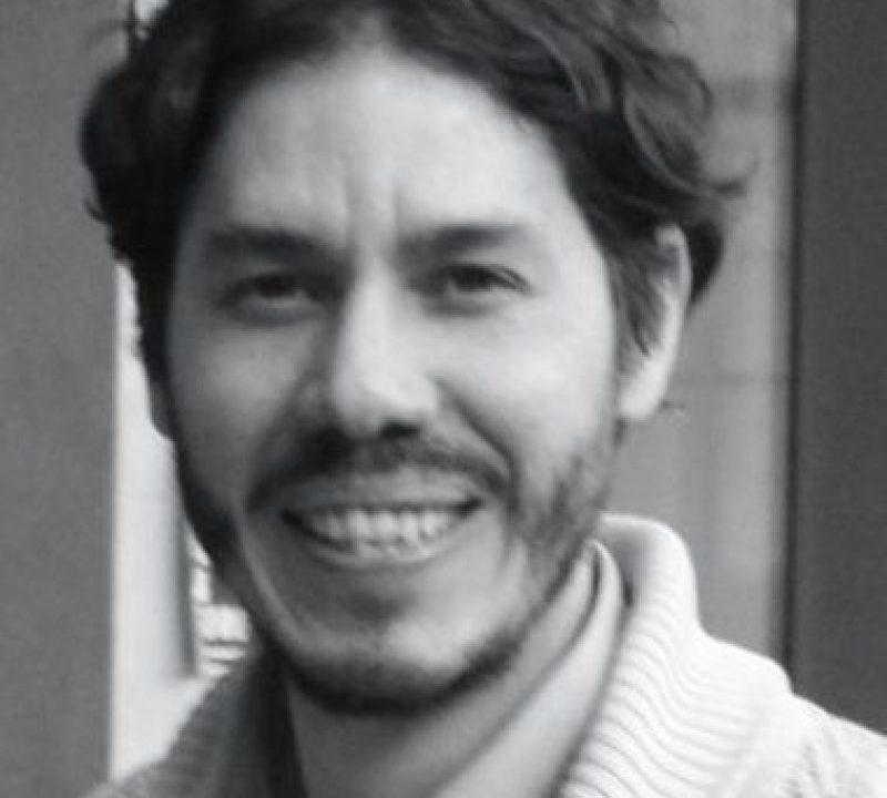 Dr. César Mariñez